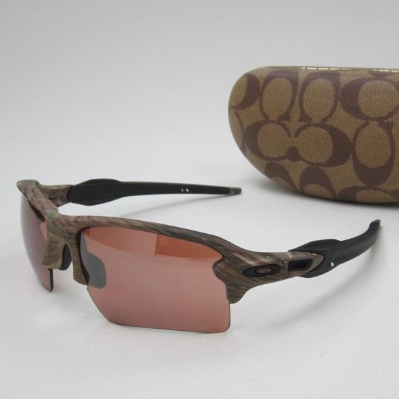 11563b1e824 Oakley OO9188-55 Men s Sunglasses OLL734. M 5aff346485e60566a0e3295a